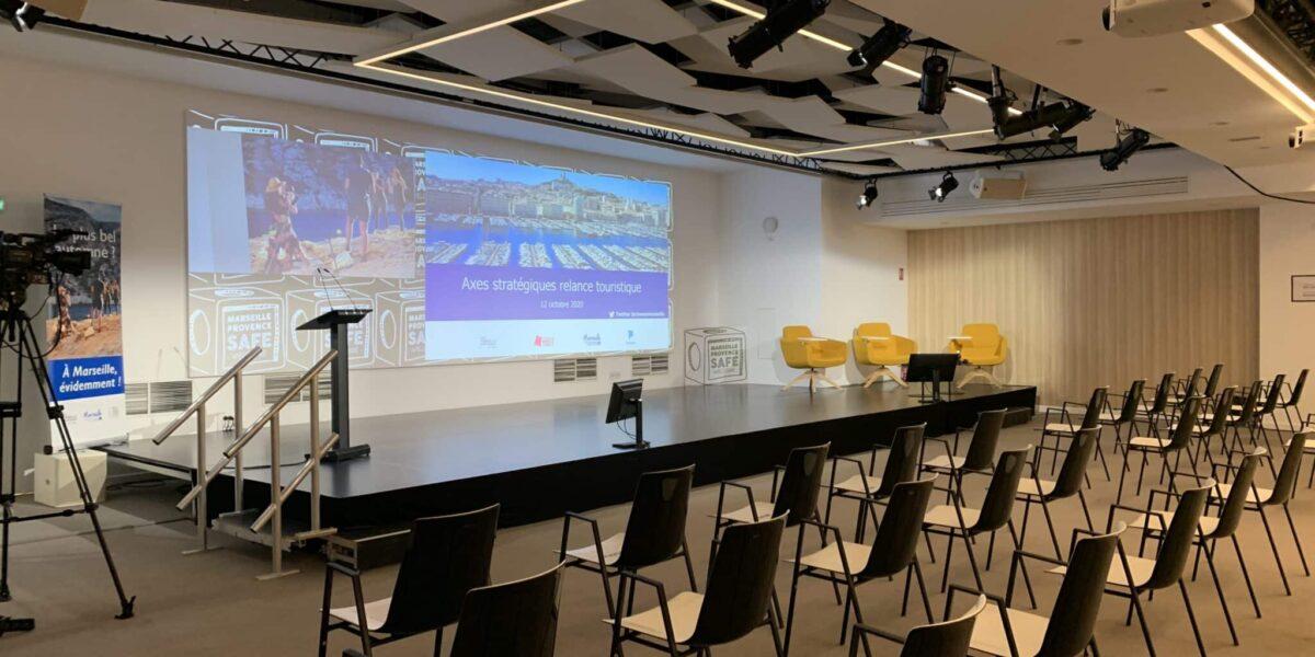Conférence sur la thématique du tourisme au wtcmp